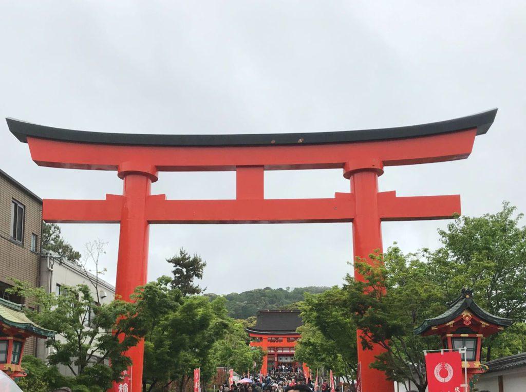 京都 伏見稲荷大社鳥居の画像
