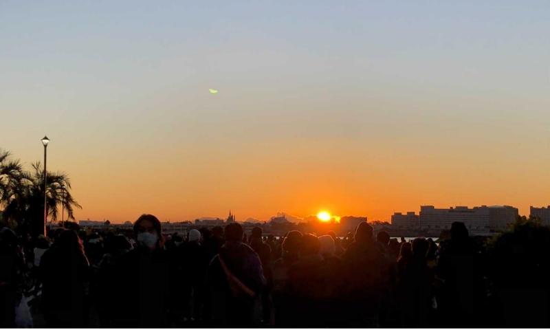 シンデレラ城と初日の出の画像2
